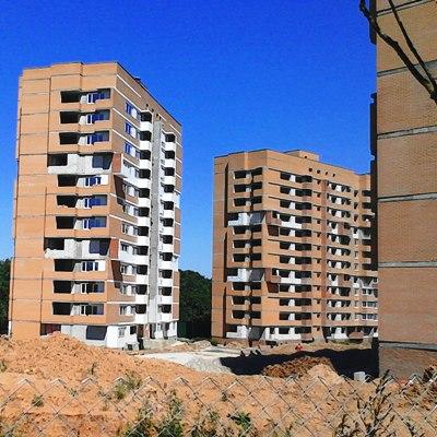 Число рабочих на стройках «Марьино Град» и «Спортивный квартал» выросло до 300 человек